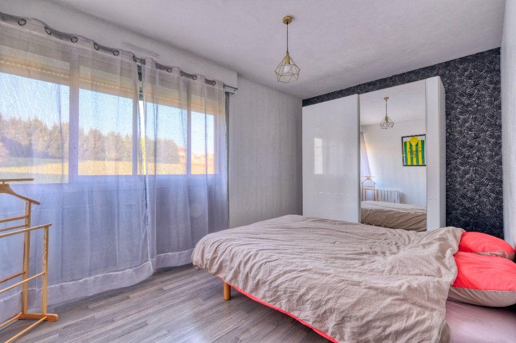 Appartement à vendre 3 69m2 à Saint-Quentin vignette-8