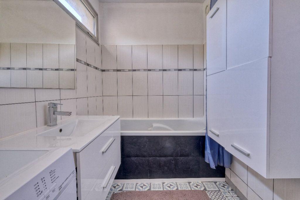 Appartement à vendre 3 69m2 à Saint-Quentin vignette-9