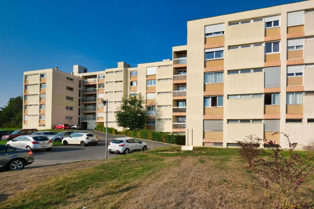Appartement à vendre 3 69m2 à Saint-Quentin vignette-12