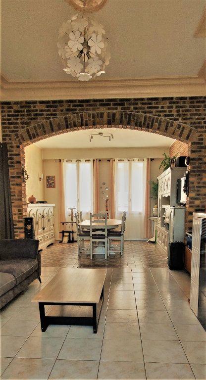 Maison à vendre 6 150m2 à Saint-Quentin vignette-4