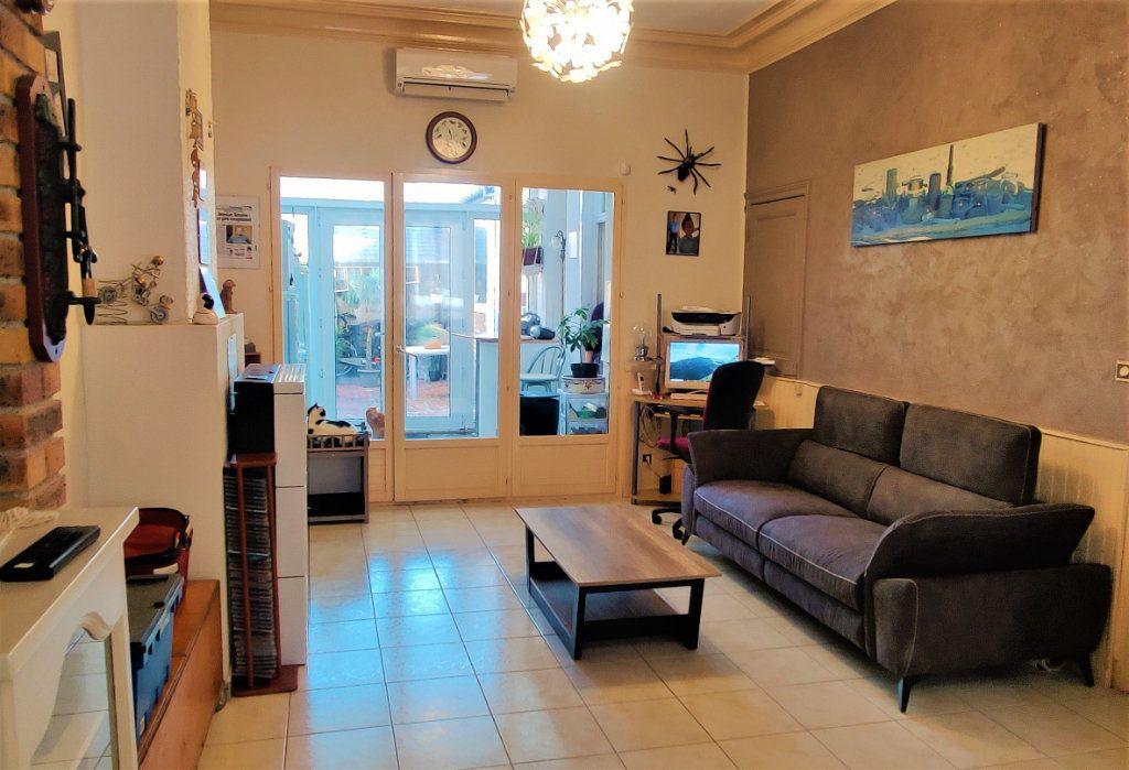 Maison à vendre 6 150m2 à Saint-Quentin vignette-5