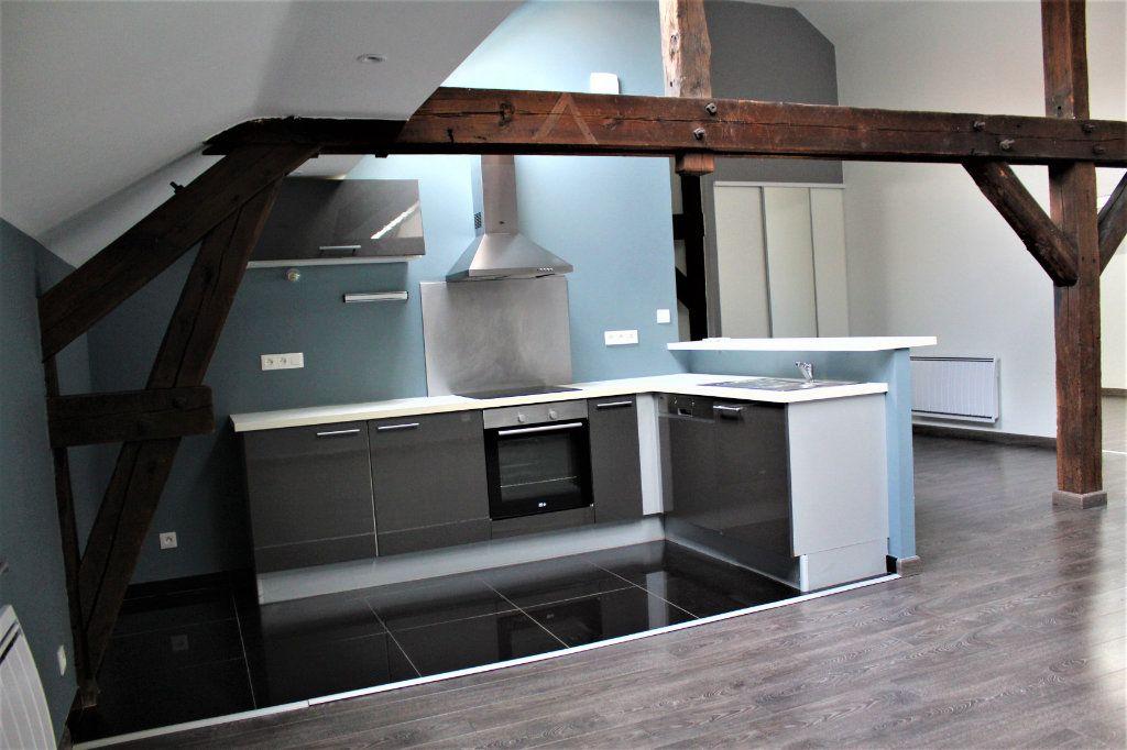 Appartement à louer 3 95m2 à Saint-Quentin vignette-1