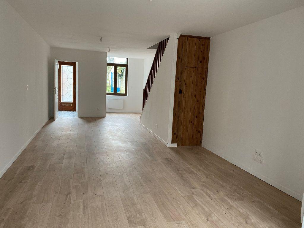 Maison à louer 3 80m2 à Saint-Quentin vignette-2