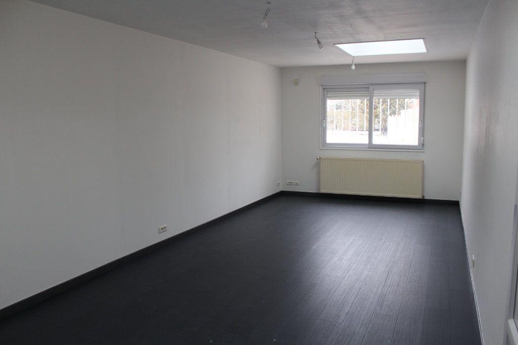 Maison à vendre 9 227.81m2 à Saint-Quentin vignette-4