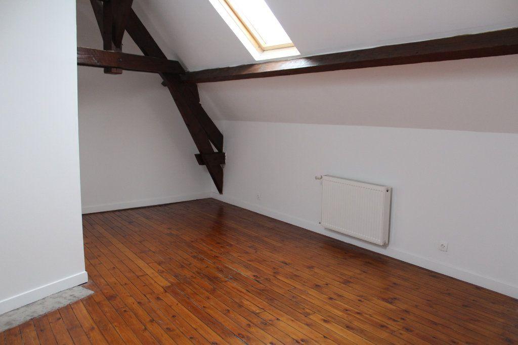 Maison à vendre 9 227.81m2 à Saint-Quentin vignette-9