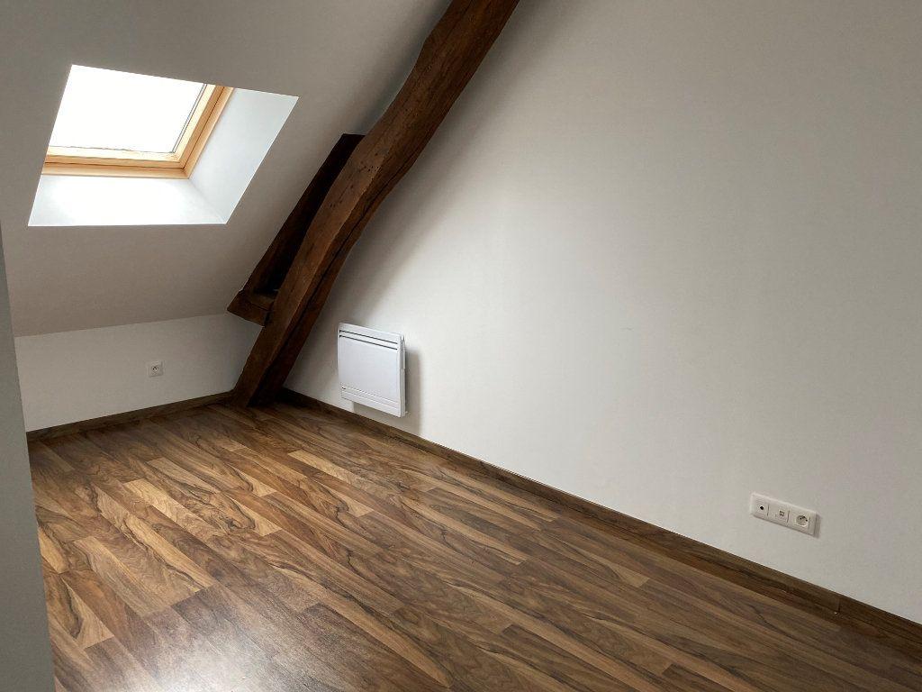 Appartement à louer 3 55m2 à Saint-Quentin vignette-3