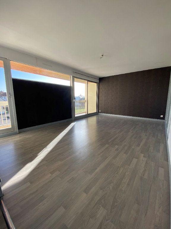 Appartement à louer 3 69m2 à Saint-Quentin vignette-1