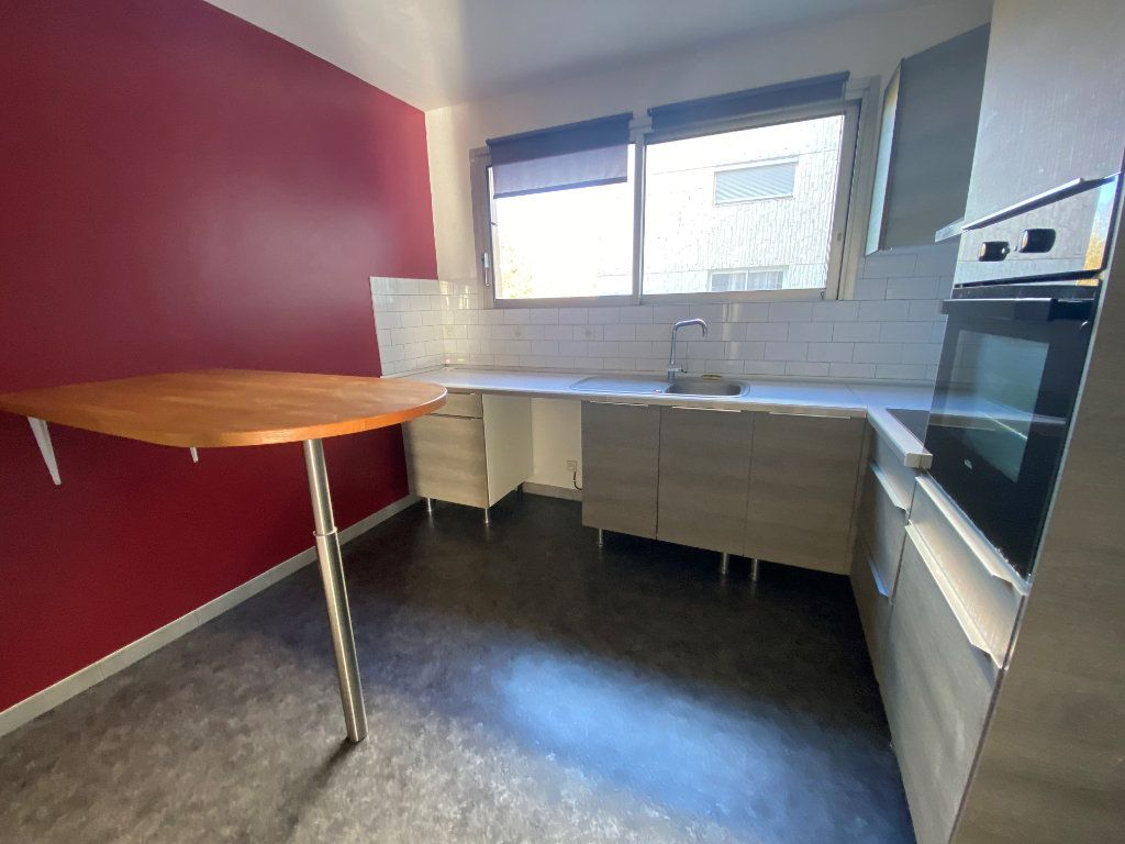 Appartement à louer 3 69m2 à Saint-Quentin vignette-3