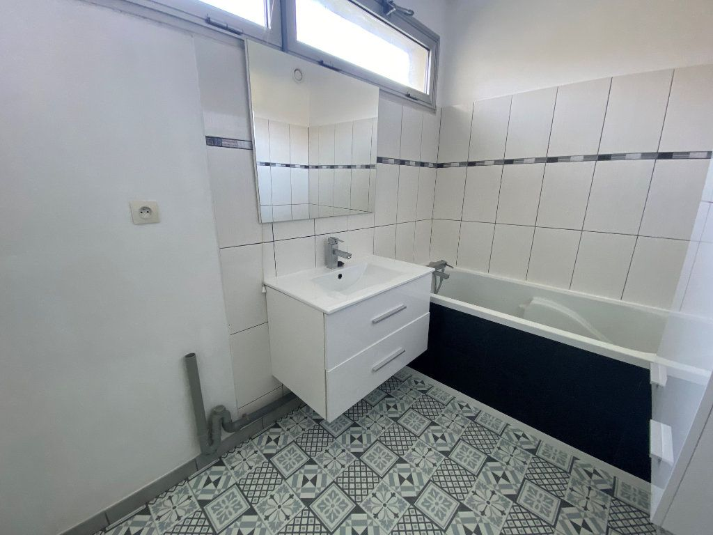 Appartement à louer 3 69m2 à Saint-Quentin vignette-6