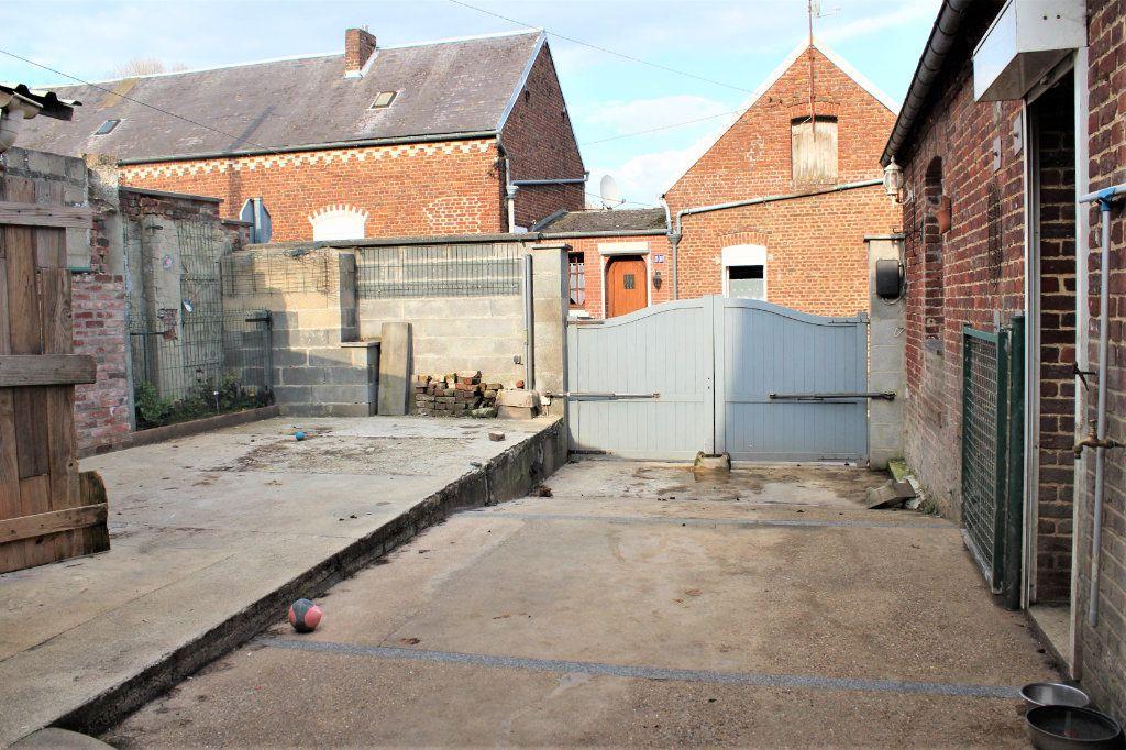 Maison à vendre 5 123m2 à Beaurevoir vignette-8