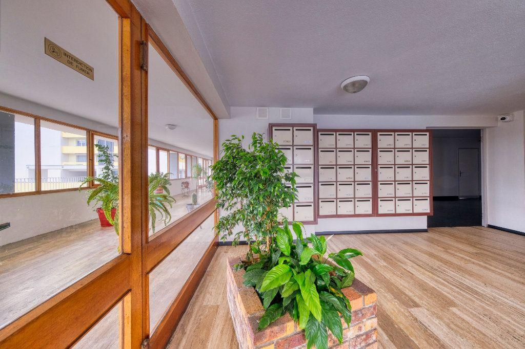 Appartement à vendre 5 90m2 à Saint-Quentin vignette-1