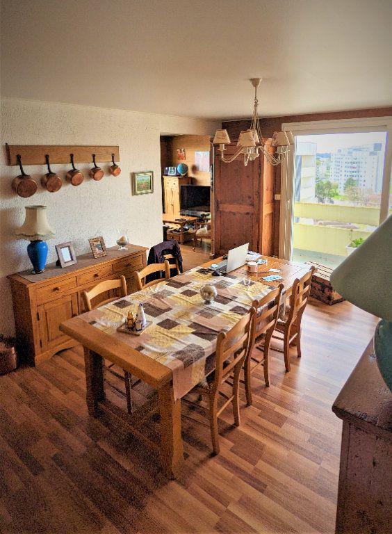 Appartement à vendre 5 90m2 à Saint-Quentin vignette-2