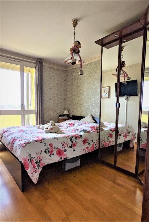 Appartement à vendre 5 90m2 à Saint-Quentin vignette-8