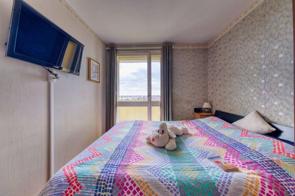 Appartement à vendre 5 90m2 à Saint-Quentin vignette-9