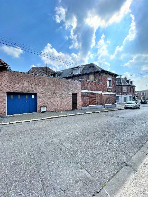 Maison à vendre 6 137m2 à Saint-Quentin vignette-1