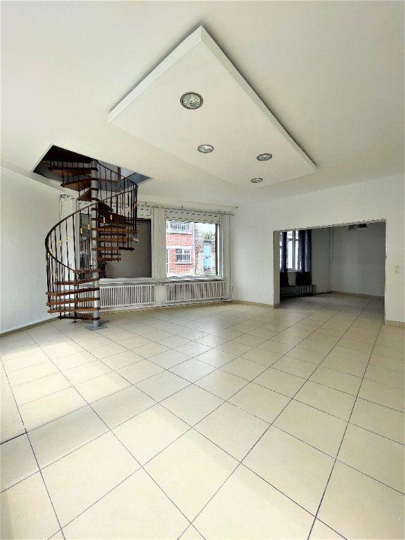 Maison à vendre 6 137m2 à Saint-Quentin vignette-2