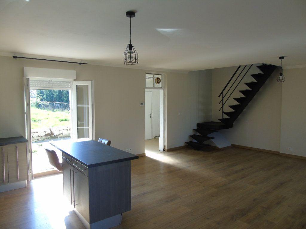Maison à vendre 2 80.5m2 à Origny-Sainte-Benoite vignette-2