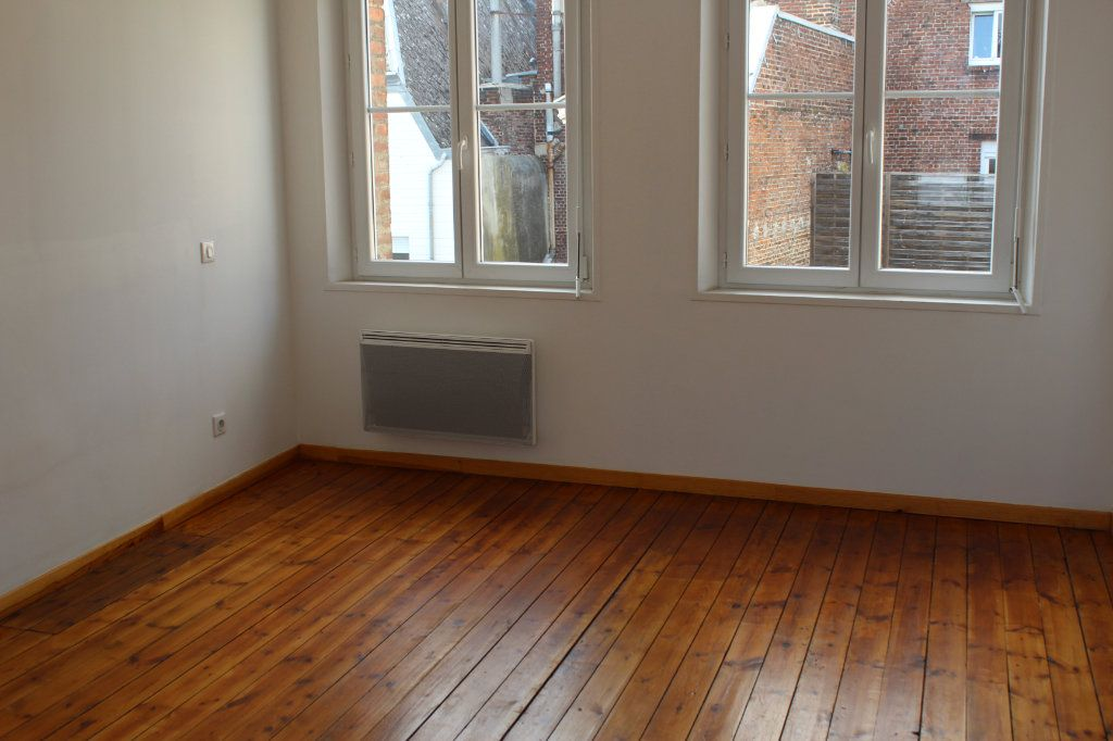 Appartement à louer 2 40m2 à Saint-Quentin vignette-4