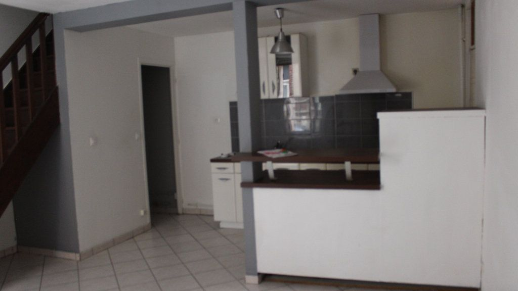 Maison à louer 2 50m2 à Saint-Quentin vignette-2