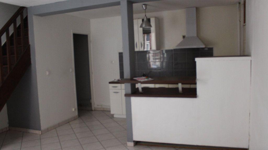 Maison à louer 2 50m2 à Saint-Quentin vignette-3