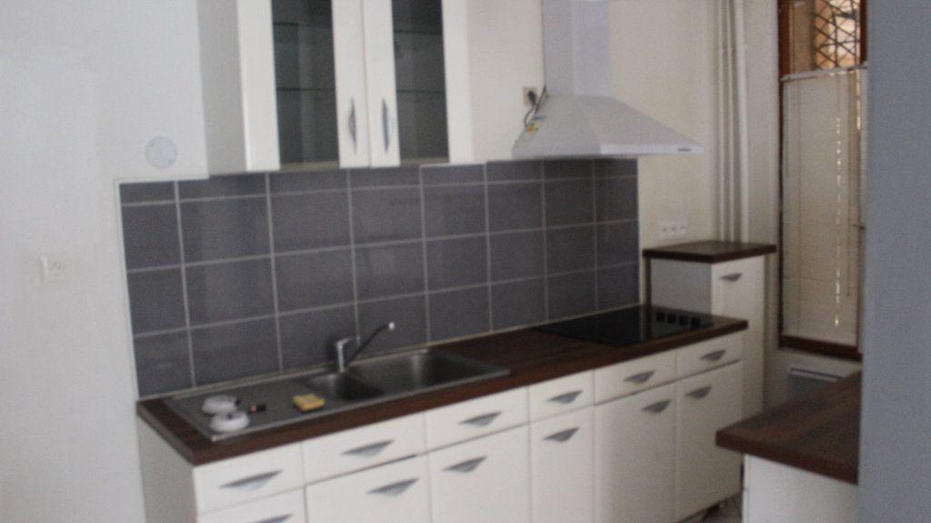 Maison à louer 2 50m2 à Saint-Quentin vignette-4