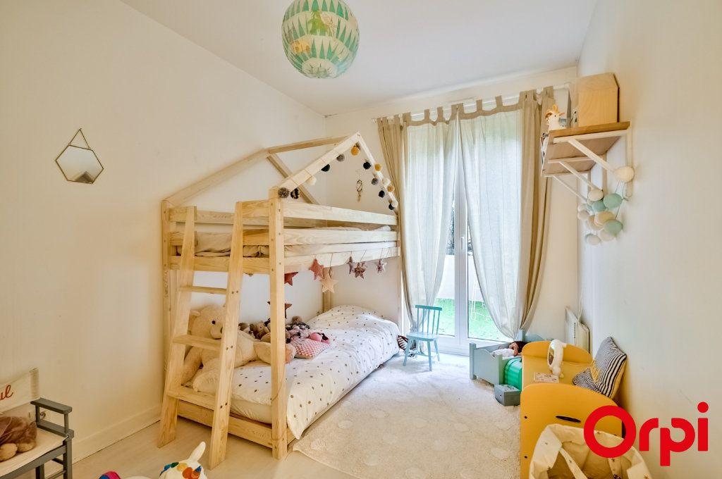 Appartement à vendre 4 89.91m2 à Lyon 4 vignette-3