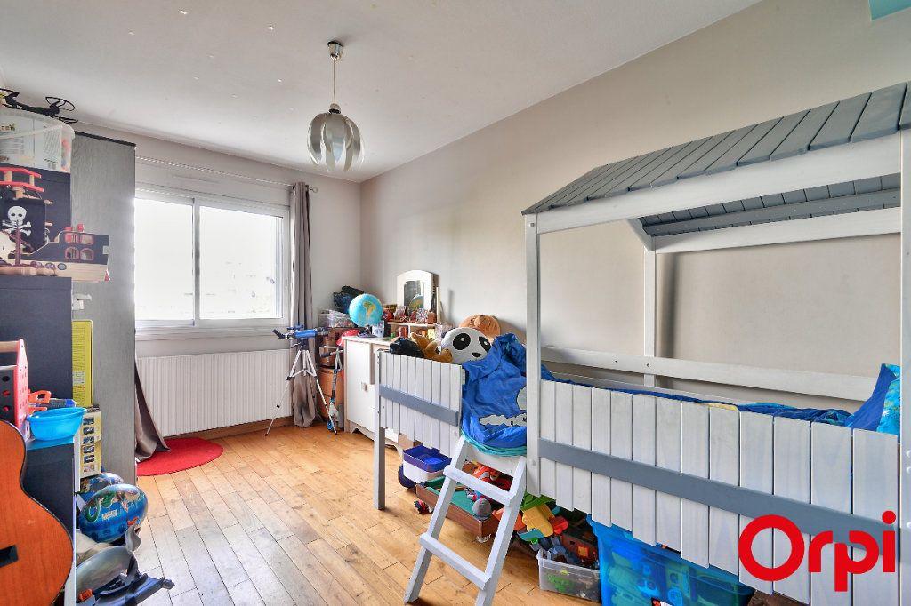 Appartement à vendre 4 79.74m2 à Lyon 7 vignette-5