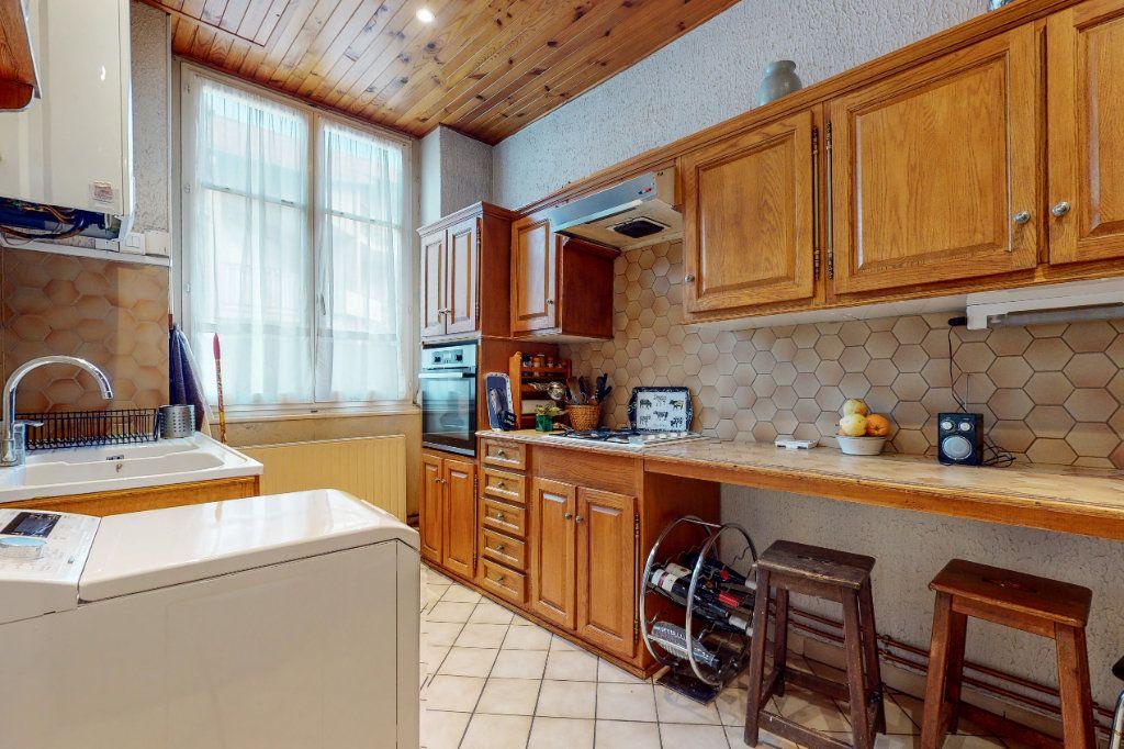 Appartement à vendre 2 47.1m2 à Lyon 1 vignette-4