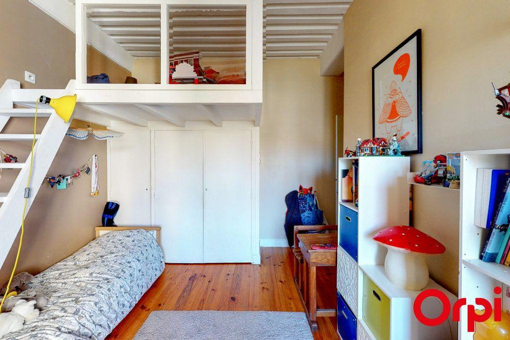 Appartement à vendre 4 114m2 à Lyon 4 vignette-2