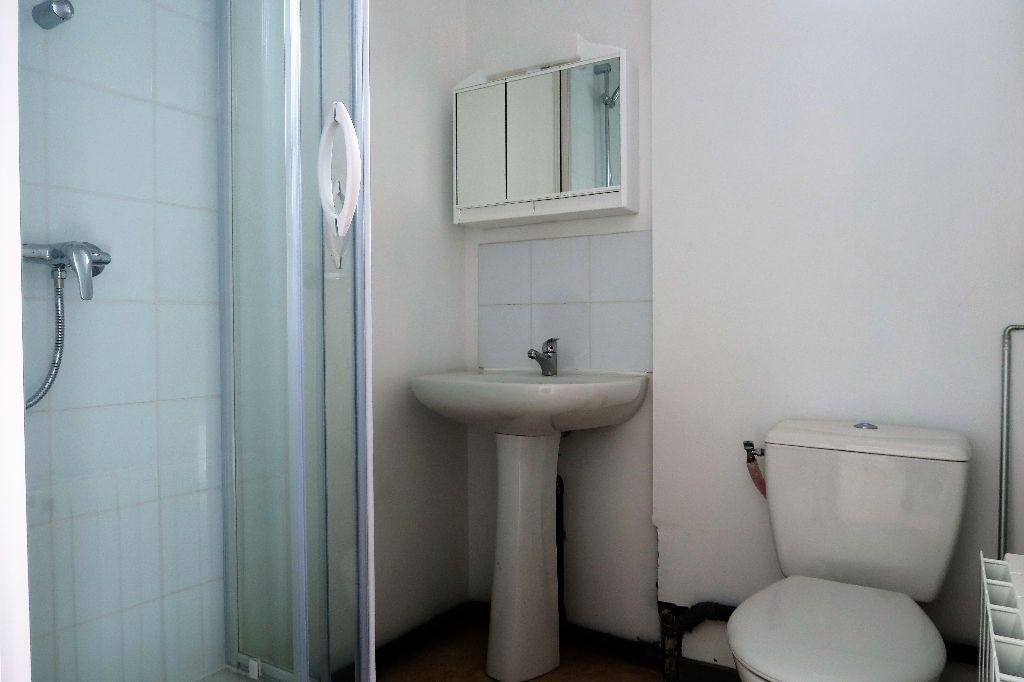 Appartement à louer 2 28.88m2 à Quesnoy-sur-Deûle vignette-7