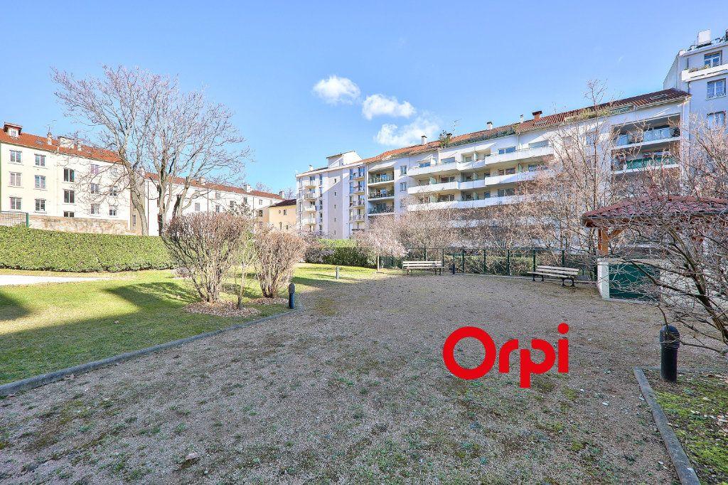 Appartement à vendre 2 49.4m2 à Lyon 2 vignette-1