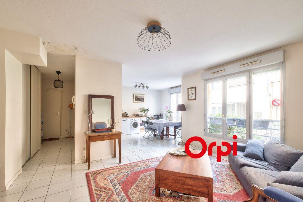 Appartement à vendre 2 54m2 à Lyon 2 vignette-1