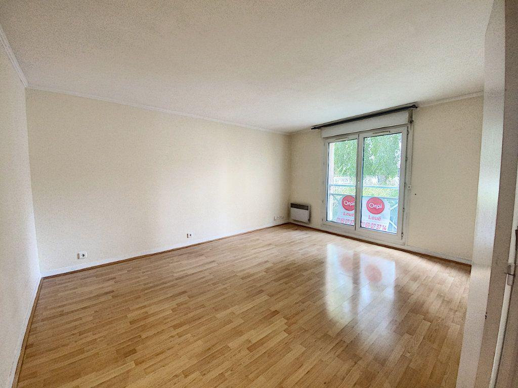 Appartement à louer 2 47.05m2 à Orsay vignette-1