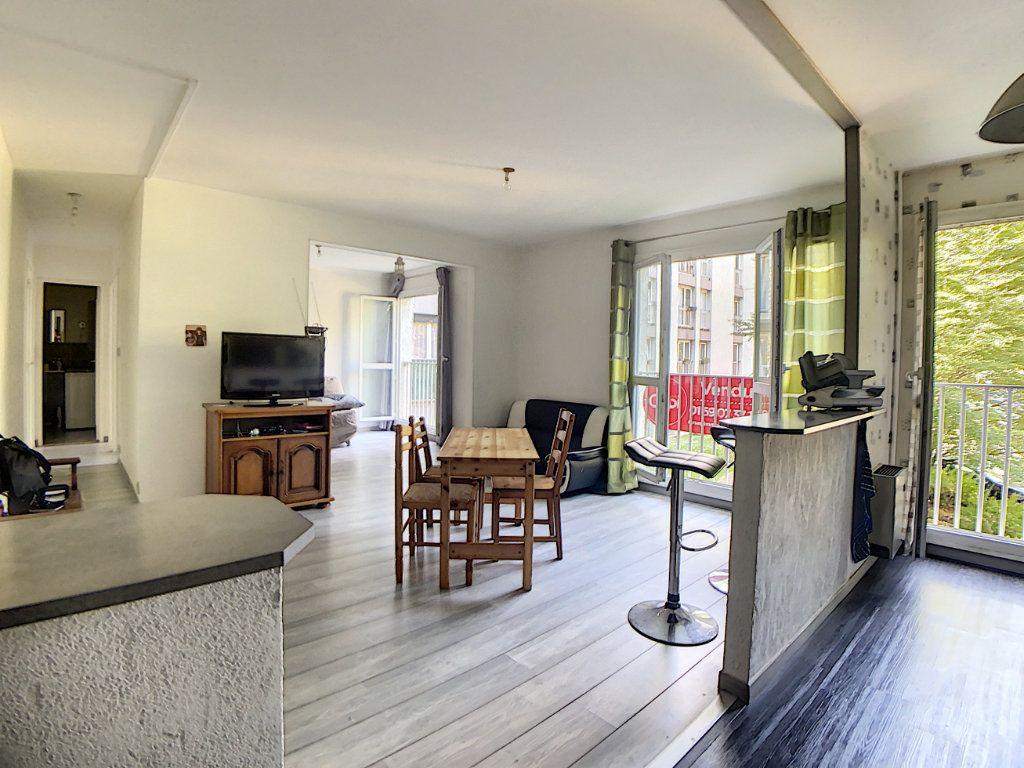 Appartement à vendre 3 61.54m2 à Les Ulis vignette-2