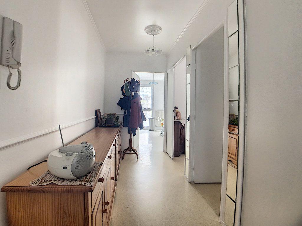 Appartement à vendre 5 100m2 à Les Ulis vignette-2