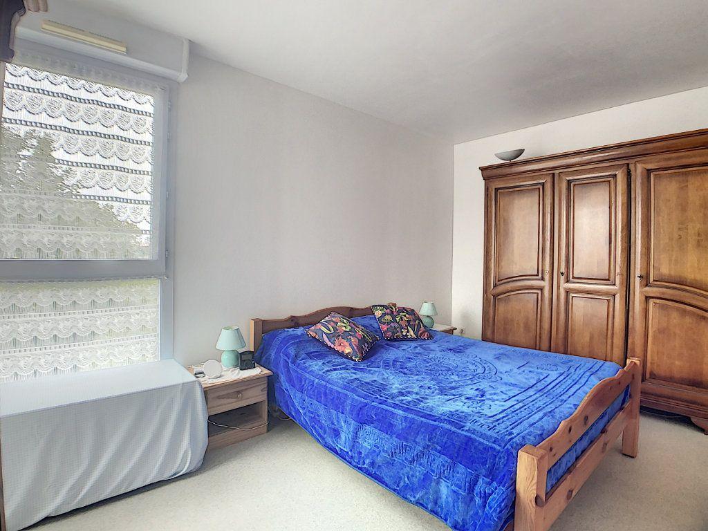 Appartement à vendre 5 100m2 à Les Ulis vignette-6