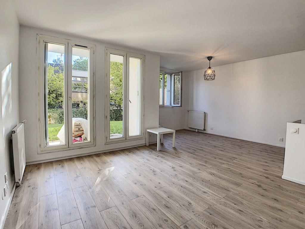 Appartement à louer 2 48.8m2 à Palaiseau vignette-2