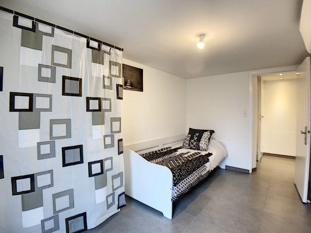 Appartement à louer 2 33m2 à Saint-Rémy-lès-Chevreuse vignette-4