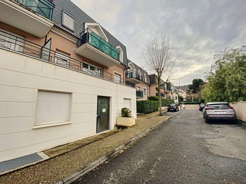 Appartement à louer 2 43.74m2 à Villebon-sur-Yvette vignette-1