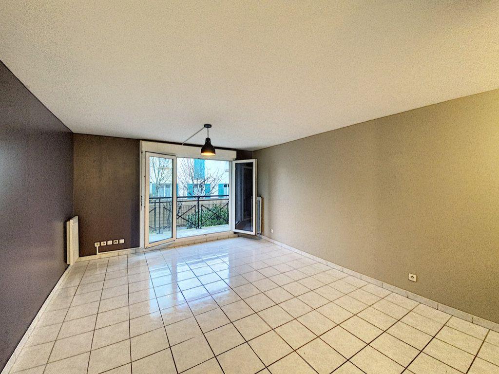 Appartement à louer 2 43.74m2 à Villebon-sur-Yvette vignette-2