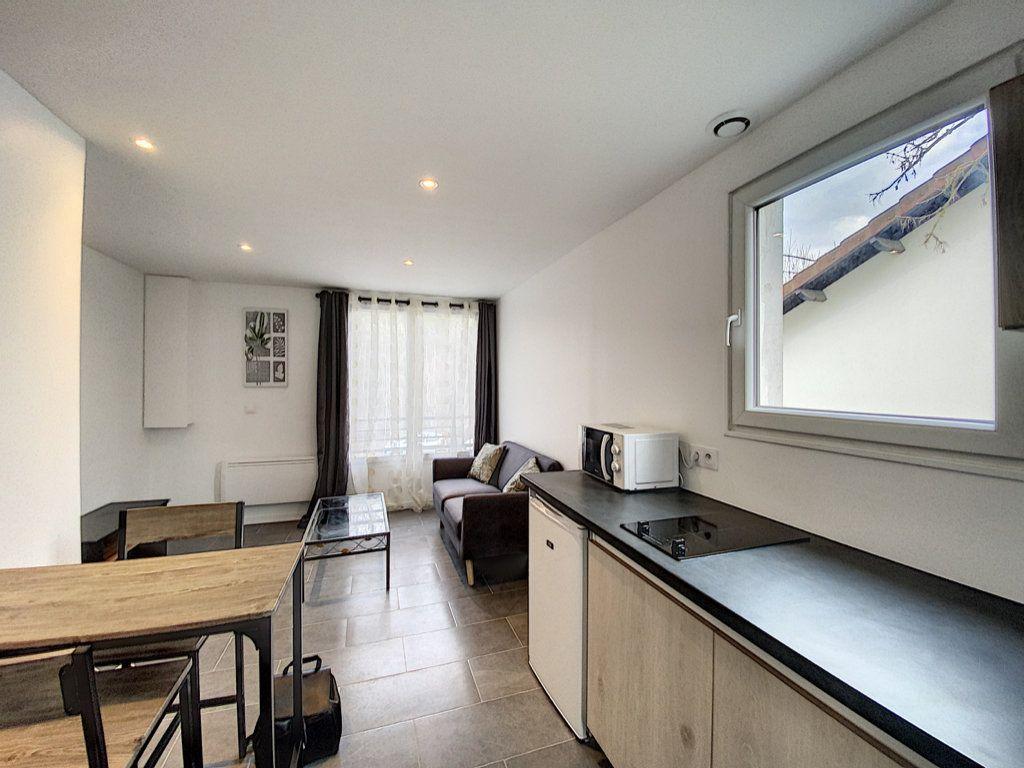 Appartement à louer 1 22.6m2 à Orsay vignette-1