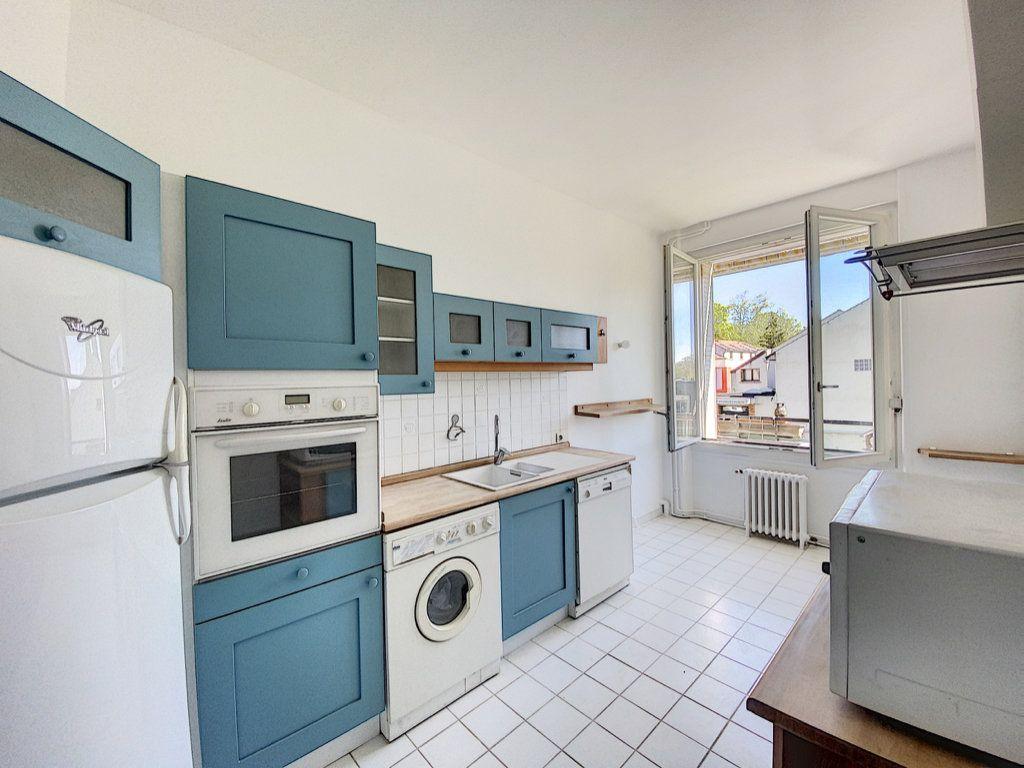 Appartement à louer 3 87.15m2 à Orsay vignette-2