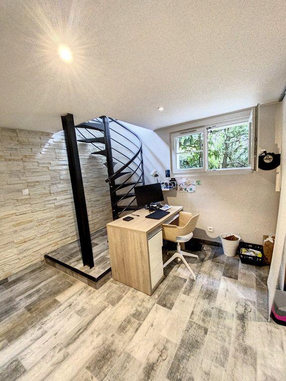 Maison à louer 6 90.49m2 à Orsay vignette-9