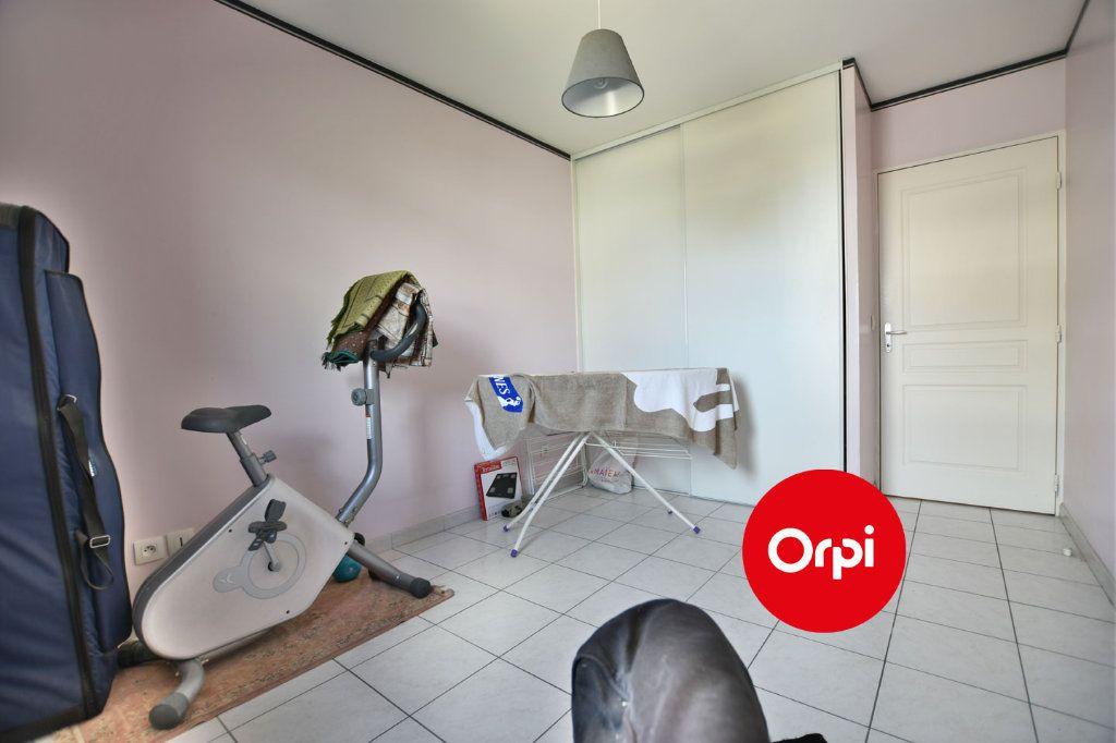 Appartement à vendre 4 74m2 à Saint-Priest vignette-7