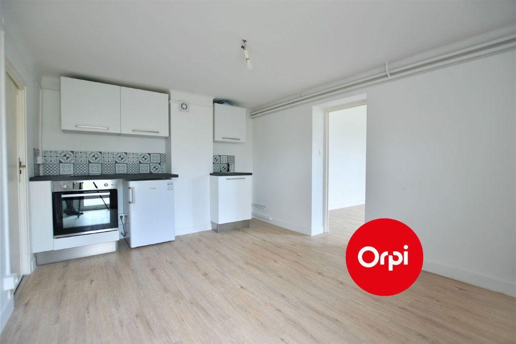 Appartement à louer 1 32.3m2 à Saint-Priest vignette-1