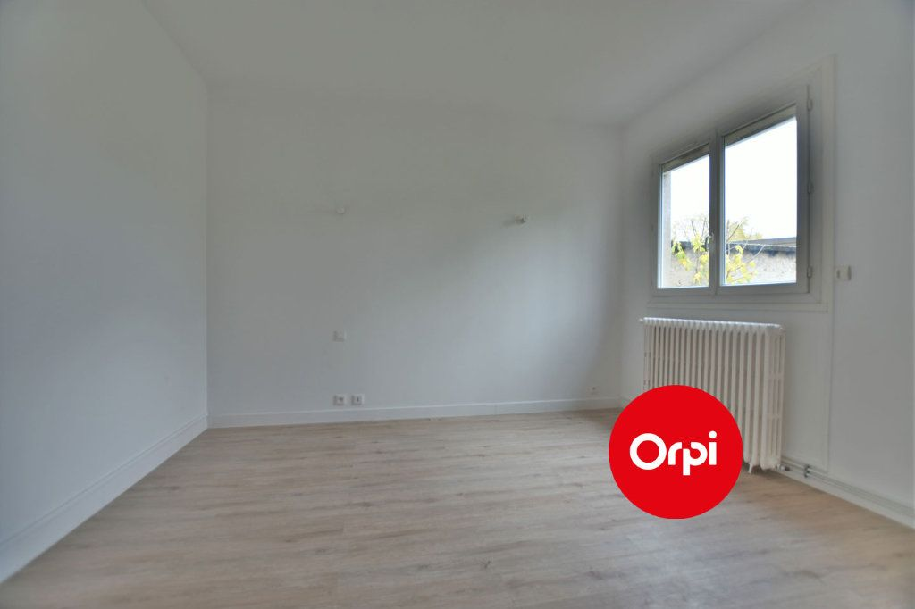 Appartement à louer 1 32.3m2 à Saint-Priest vignette-3