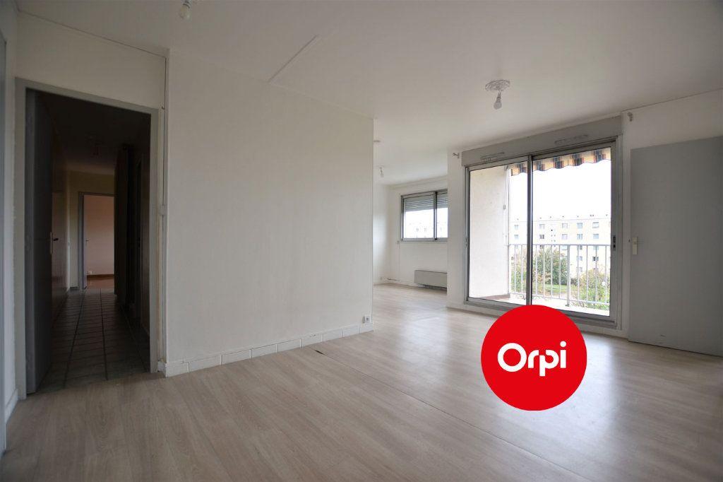 Appartement à louer 3 71m2 à Saint-Priest vignette-1