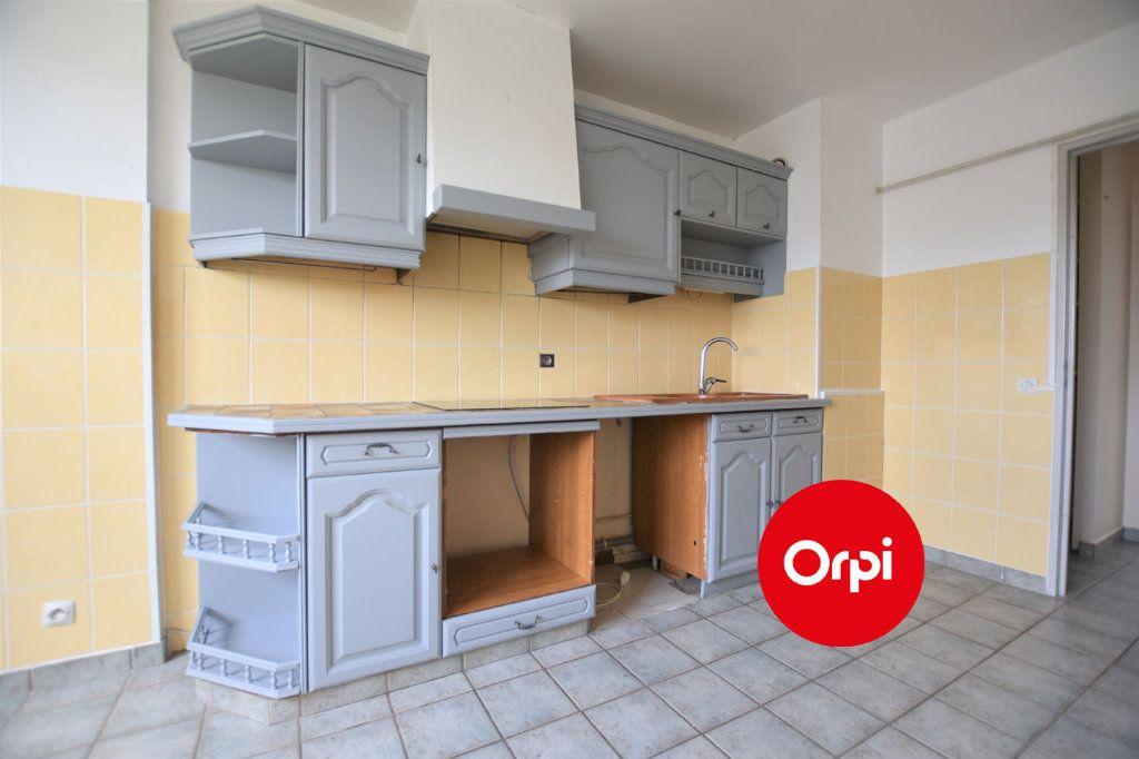 Appartement à louer 3 71m2 à Saint-Priest vignette-3