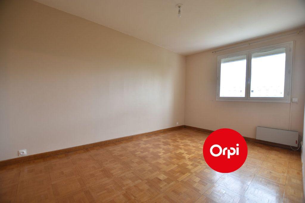 Appartement à louer 3 71m2 à Saint-Priest vignette-8