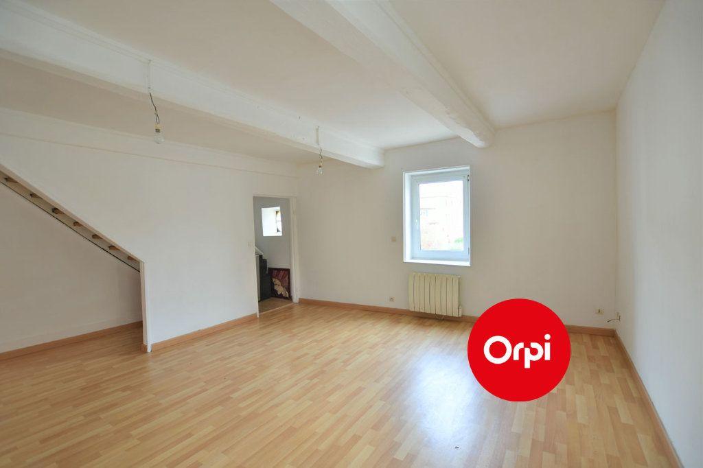 Immeuble à vendre 0 138m2 à Luzinay vignette-2
